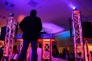 Aluminum and Pole Truss Rentals for Disc Jockeys, Live Music, Trade Shows and Theater
